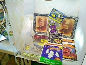 Halloween lot decorations Skeleton eerie pictures ghosts path markers scene set