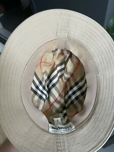 Burberry hat size 7