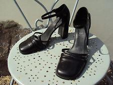 chaussures sandales escarpins noires  taille 39 ANDRE