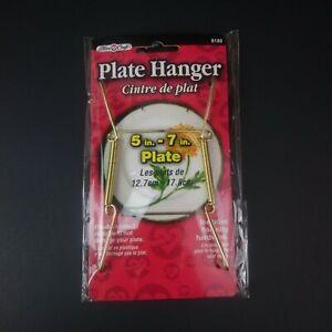 "NIP Fibre Craft Plate Hanger 5"" - 7"""