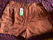 Ladies Shorts Size 20 New
