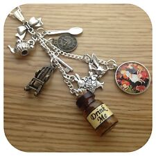 Alice In Wonderland Estilo Vintage bebida me Botella largo Cluster Collar