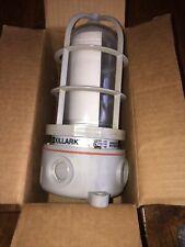 Hubbell Killark Nvx15gg 150 Watts Max Ceiling Mount Vapor Tight Light Fixture