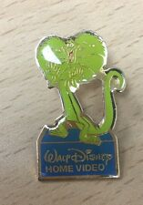 Pin 4665 Walt Disney Home Video - The Rescuers Down Under - Frank green lizard