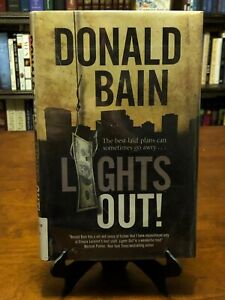 LIGHTS OUT! A Heist Thriller Involving The Mafia by Donald Bain (1ST EDITION) VG