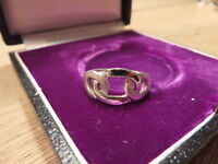 Bezaubernder 925 Sterling Silber Ring Designer Verschlungen Matt Glänzend Top