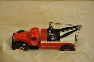 First Gear Collectible KB-10 International Tow Truck 1:34 Scale