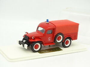 Firetech Base Solido 1/50 - Dodge 4x4 Covered Firefighters