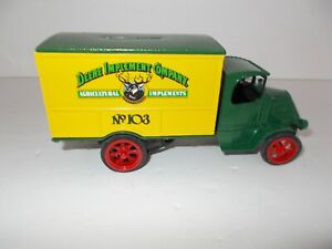 Ertl John Deere Truck Bank No.103 1/38 Scale #5564 Deere Implement Company  NIB