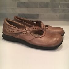 Softwalk Women's Sz 11 Taupe Distressed Leather Mary Jane Dress Shoes Comfort
