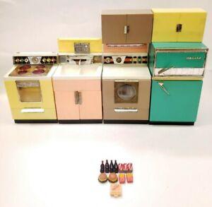 Vintage Barbie Deluxe Reading Dream Kitchen 1960's RARE