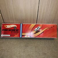 HOT WHEELS VERY RARE VINTAGE 1967 STUNT ACTION SET BY MATTEL With Very Rare Cars