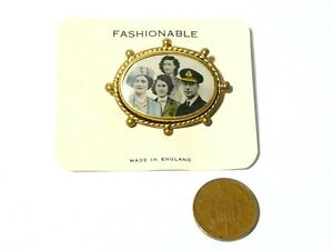 Vintage George VI Royal Family Brooch Souvenir on Original back card