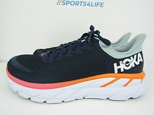 WOMEN'S HOKA ONE CLIFTON 7 size 8.5  ! RUNNING SHOES! WORN LESS THAN 15 MILES!