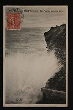 Carte postale ancienne CPA LION SUR MER - Les falaises par gros temps