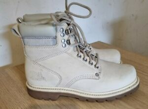 Women's Size 6 Grey Caterpillar Boots. Very good condition!