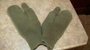 Vintage  Army  Mitten Gloves 100% Wool Liners with Trigger Finger