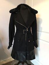 Wunderschöne Karen Millen Schwarz Wolle Pelzkragen Faux Leather Trim Coat Jacke UK 8