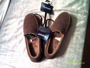 MEN'S ISOTONER KNIT MOCCASIN SLIPPERS DARK CHOCOLATE SIZE 8-9