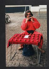 PARIS Centre Pompidou (IV°) MARCHAND d' OCARINAS en 1996
