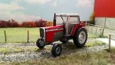 Universal Hobbies Tractor Massey Ferguson 2620 2WD 1/32nd Scale Collector Model