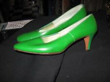 Vintage 1960's Green Patent Leather Heels by LifeStride Size 8 AA