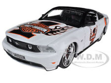 2010 FORD MUSTANG GT WHITE #1 HARLEY DAVIDSON 1:24 MODEL CAR BY MAISTO 32170
