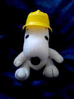 Metlife Peanuts Plush Snoopy - Construction Hard Hat