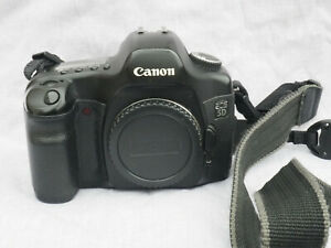 Canon 5D classic full frame camera in working order with damaged mirror