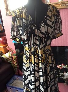 NEW WITH TAGS DRESS BY TOGETHER BLACK/YELLOW/WHITE PATTERN SIZE 12 UNDERSLIP