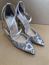 Betsey Johnson adornado con cuentas empedrada nupcial con Tiras Tribunal Zapatos-Talla 8
