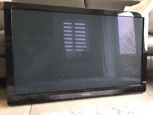 Panasonic Smart Viera 42 Inch Plasma HD Ready 1080p Freeview Tuner