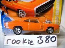 2011 Hot Wheels HW PREMIERE #42 *'70 DODGE CHARGER R/T * ORANGE SHORT CARD