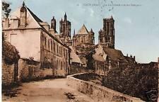 CPA Laon La Cathédral vue des Remparts (p92248)