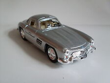 1954 Mercedes-Benz 300 SL Coupe silber, Auto Modell ca.1:36