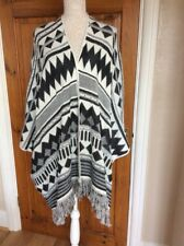 Ladies Cape by Atmosphere Size S Black & White