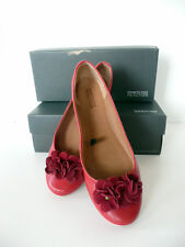 Kenneth Cole Reaction Ballet Flats Red w/ Red Suede Flower- sz.,6.5 NIB