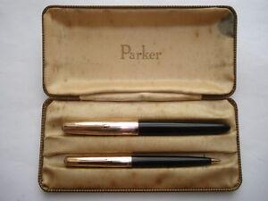 C1C1960S PARKER 51 1/10 12CARAT ROLLED GOLD&BLACK BODIED FOUNTAIN PEN&PENCIL SET