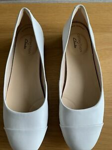 ladies shoes size 5.5 used