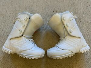 Thirty Two Lashed Women's Snowboard Boots - White - Size 10 - Used
