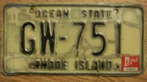 SINGLE RHODE ISLAND LICENSE PLATE - 1976 - GW-751 - OCEAN STATE