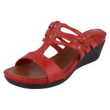 Calzado de mujer Clarks de piel color principal rojo