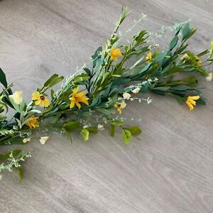 1.5m Yellow Artificial Flower Leaf Mix Easter Garland Gisela Graham Spring Daisy