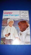 Lister LEE Aran Child's chaqueta y sombrero de tejer patrón 802
