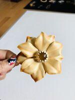 Vtg Marked BED Mod 60's Beige Yellow Lucite Enamel Daisy FLOWER Brooch Pin #201