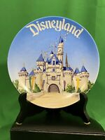 VINTAGE DISNEYLAND SOUVENIR PLATE - SNOW WHITE'S CASTLE - MADE IN JAPAN - STAND