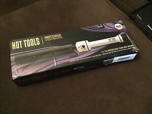 Hot Tools 1 1/4 Curling Wand NEW