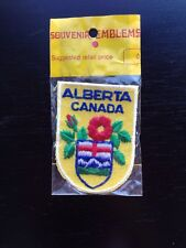 """Vtg Alberta Canada Wild Rose Flag Sew On Embroidered Patch AB Canada Souvenir 3"""""""