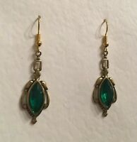 VICTORIAN STYLE GREEN FACETED GLASS DARK GOLD PLATED EARRINGS NAVETTE hook