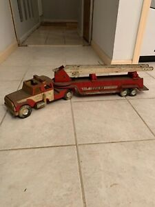 "Vintage NYLINT FIRE TRUCK AERIAL HOOK AND LADDER 34"" LONG"